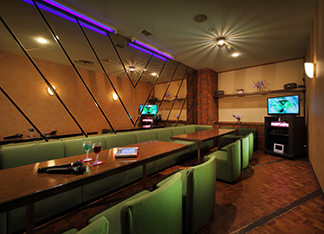 Karaoke Rooms: Rose and Cattleya